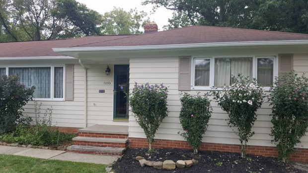 Aluminum and Vinyl Siding Refinishing - Parma, Ohio - serving Cleveland, Rocky River, Fairview Park and the rest of Northeast Ohio